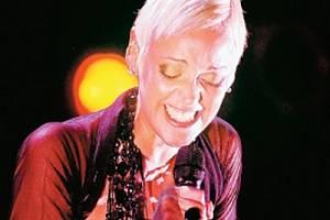 Portugalská zpěvačka Mariza se stala miláčkem ostravského publika a po koncertě slíbila, že se do Ostravy znovu vrátí.