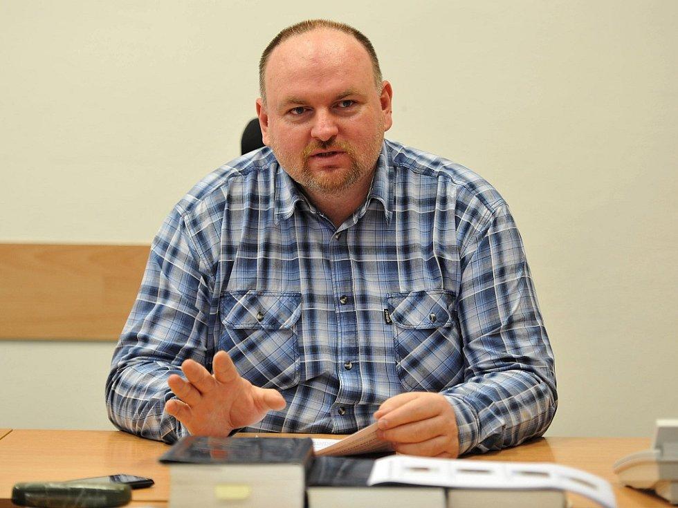 Kriminalista Kamil Vašťák informoval o zadržení zlodějů a zajištění části ukradených šperků.
