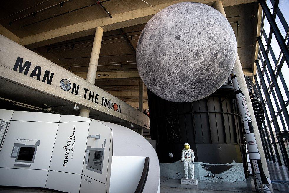 Ve Velkém světě techniky v Dolních Vítkovicích byla novinářům představena expozice Man on the Moon a také nová podoba Světa civilizace, 2. června 2021 v Ostravě. Na místě je i replika skafandru prvního člověka na Měsíci Neila Armstronga, která byla přivez