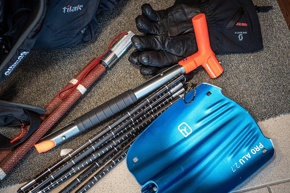 Vybavení horské služby, 30. ledna 2021 na Ovčárně.