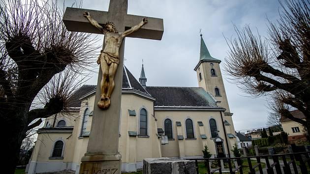 Takto dnes žijí ostravské Hošťálkovice v čase karantény.