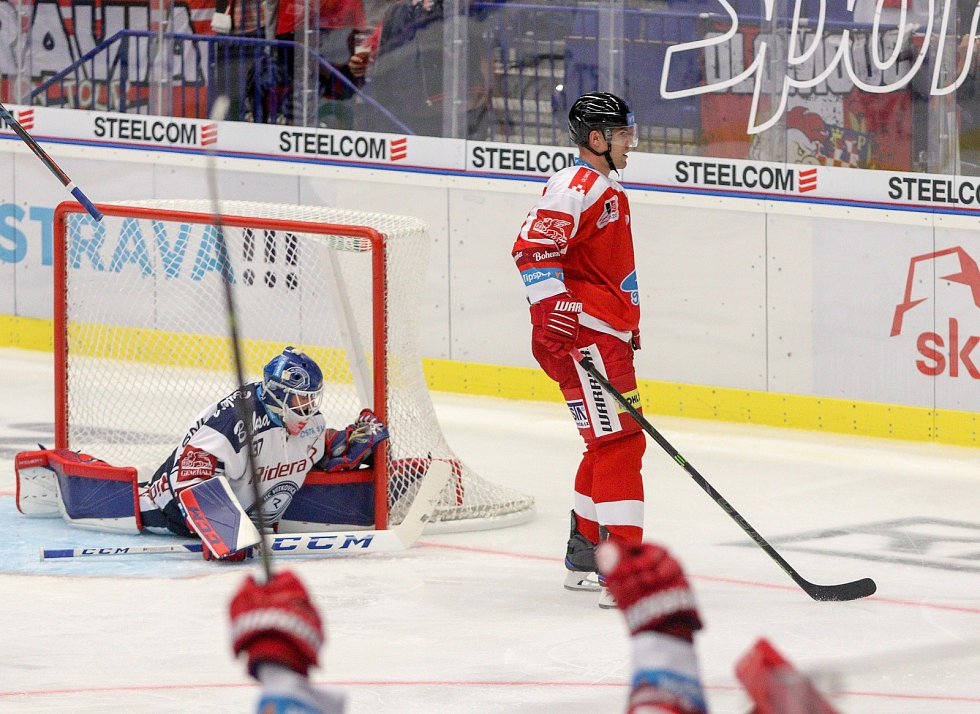 Utkání 1. kola hokejové extraligy: HC Vítkovice Ridera - HC Olomouc, 13. září 2019 v Ostravě. Na snímku (vpravo) Rostislav Olesz.