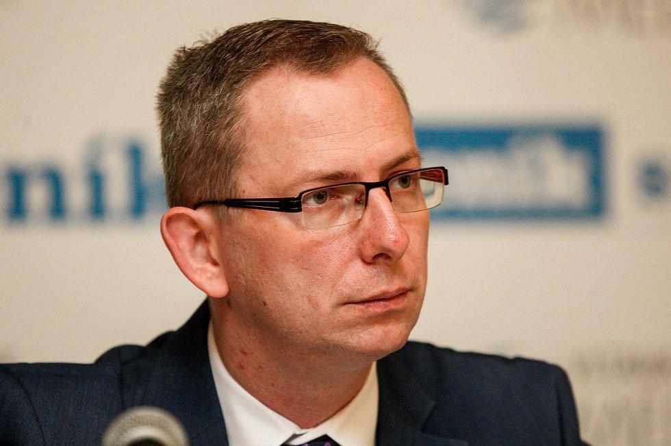 Jiří Navrátil na Setkání s hejtmanem Ivo Vondrákem v Ostravě, v multifunkční hale Gong.
