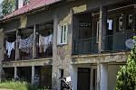 PÁTOVA ULICE (na snímku) i Trnkovecká ulice jsou zdrojem obav usedlíků z Trnkovce. Obyvatelé těchto domů leží v žaludku mnoha sousedů.