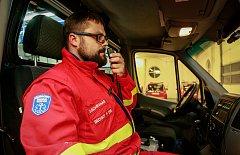 Bývalý zdravotní bratr Petr Bechný pracuje jako záchranář Zdravotnické záchranné službě Moravskoslezského kraje s územním střediskem v Opavě.