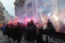 V neděli se na Masarykově náměstí setkali příznivci Srbska a odpůrci osamostatnění Kosova.