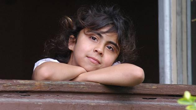 Princezna z bedřišky. Ostravská kolonie Bedříška je plná romských dětí. Ne všechny však pořád způsobují jen povyk.
