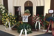 Rozloučení s Pavlem Srničkem pro veřejnost se koná dnes v Ostravě ve smuteční obřadní síni ve Vítkovicích. Snímek byl pořízený ještě před samotným začátkem naplánovaným na 14. hodinu.