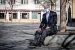 Politik Petr Kajnar při fotografování pro Deník, 16. dubna 2020 v Ostravě.