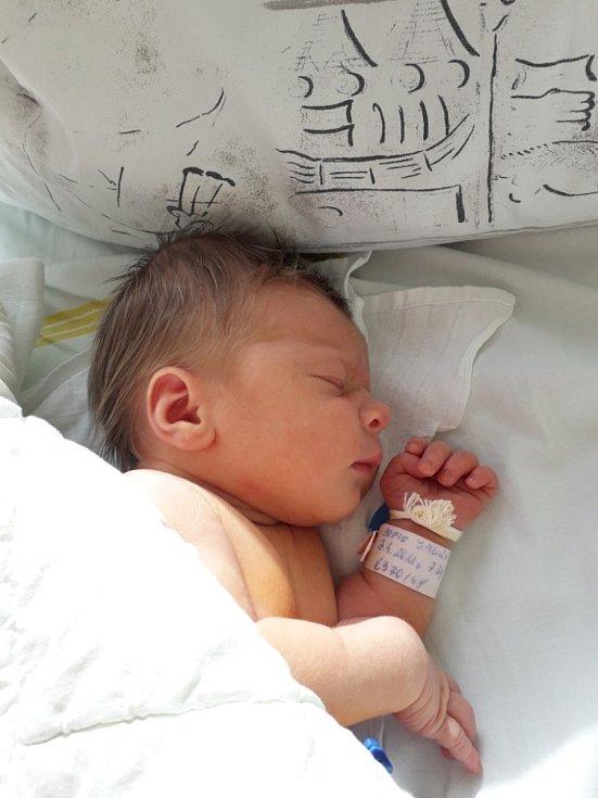 Sofie Jalůvková z Příbora, narozena 3. dubna 2021 v Havířově, váha 2970 g, míra 48 cm. Foto: Michaela Blahová