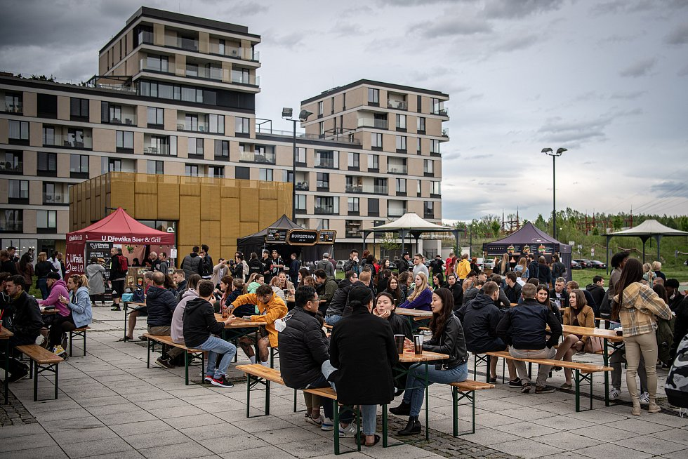 Burger Street Festival u OCForum Nová Karolina v Ostravě, květen 2021.