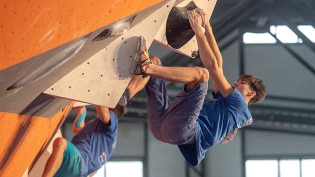 Mezinárodní mistrovství České republiky a finálové kolo Rock Point Českého poháru v boulderingu 2019 v Ostravě.
