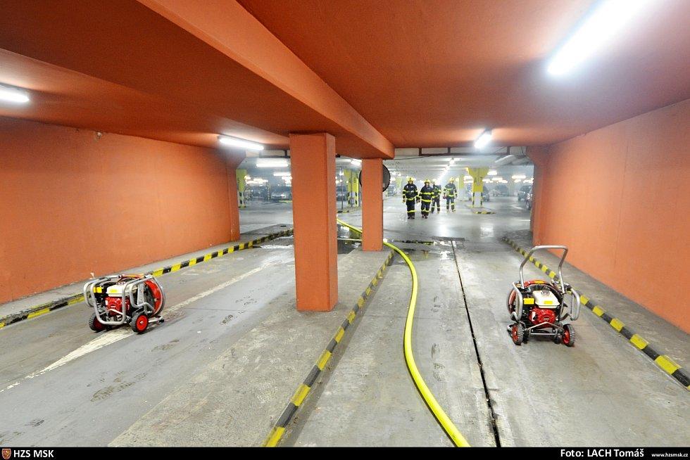 Snímek ze zásahu hasičů v ostravském OC Futurum.