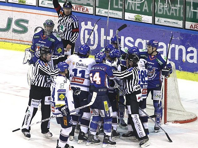 Z hokejového zápasu Kladna s Vítkovicemi