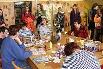 Belgičtí studenti se svými kolegy z oderské školy navštívili například Ústav sociální péče ve Chvalčově.