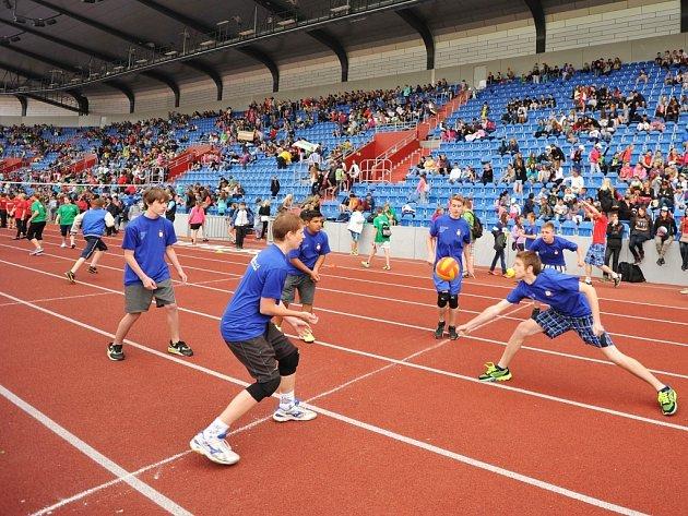 Ostravské školní hry na Městském stadionu.