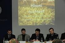 Jednu z největších velkopěstíren konopí v rámci celé České republiky odhalili moravskoslezští kriminalisté. Nacházela se v centru Ostravy a byla vybavena nejmodernější technikou.