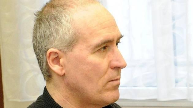 Třiačtyřicetiletý Miroslav Darebník z jižní Moravy má na svědomí pět sexuálních ozbrojených útoků.