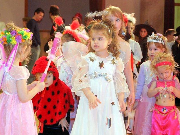Karneval s Hospalínem přilákal děti do Domu kultury města Ostravy