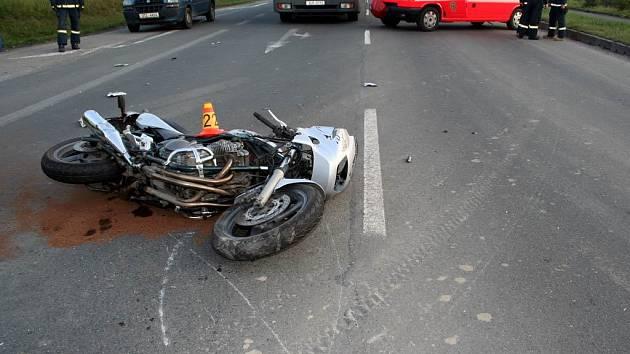 Nehoda v Hrádku skončila smrtí motorkáře