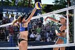 Turnaj Světového okruhu v plážovém volejbalu kategorie 4*, 6. června 2021 v Ostravě. Finálový zápas - Jolana Heidrichová, Anouk Verdeová-Depraová (vpravo) ze Švýcarska vs. Sarah Sponcilová, Kelly Claesová (vlevo) z USA.