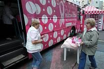 Růžový autobus v Ostravě