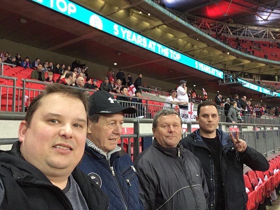 Fanoušci ve Wembley.