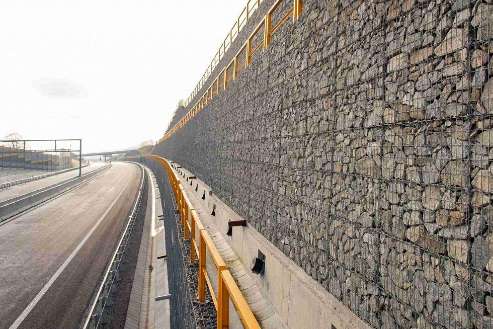 Dálnice D3 u Čadce, stav v listopadu 2020.