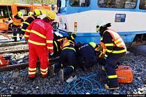 Ženu, kterou zachytila tramvaj, vyprošťovaly dvě jednotky hasičů.