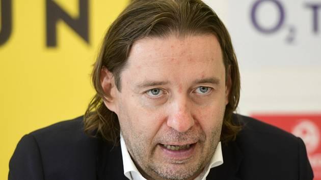 Předseda Ligové fotbalové asociace (LFA) Dušan Svoboda.