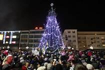 Rozsvěcování vánočního stromu na Masarykově náměstí v centru Ostravy.