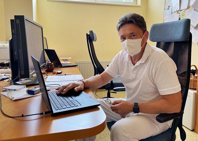 Jaromír Richter, primář oddělení radioterapie onkologického centra vNové Jičíně..