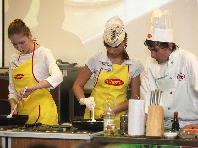 Žáci se předháněli v kulinářském umění.
