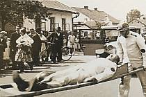 V roce 1936 se v obci konala velká oslava 40 let trvání Sboru dobrovolných hasičů Hrabová. Hasičský sbor tam má velkou tradici dodnes a těší se velké podpoře.