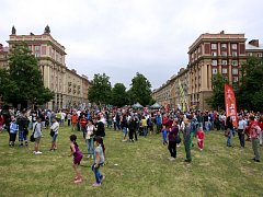 První ročník mezinárodního festivalu nového cirkusu a pouličního divadla v Ostravě-Porubě.