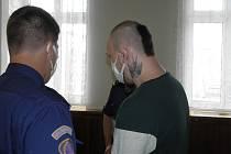 Obžalovanému hrozí až dvacet let vězení.