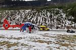 Letecká služba Moravskoslezského kraje při zásahu v horách.