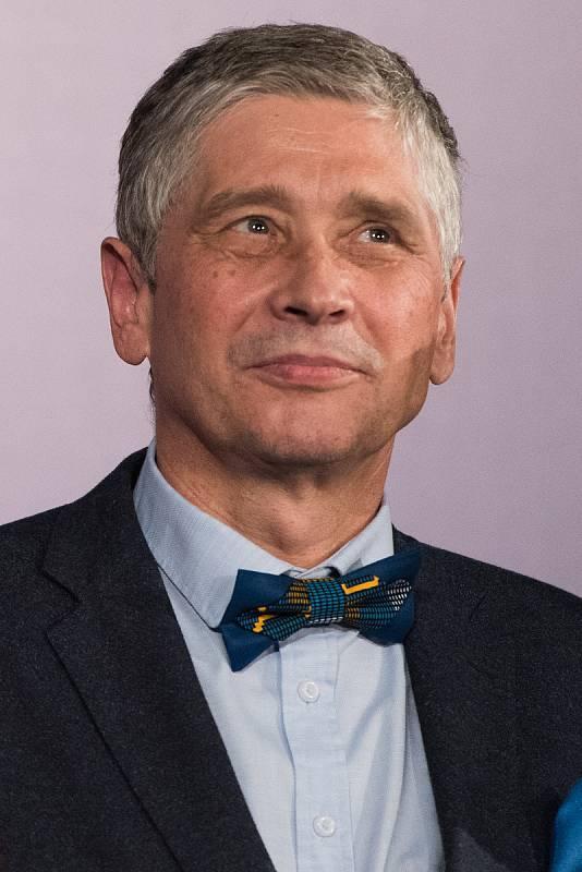 Motýlek je  symbolem hejtmana Moravskoslezského kraje Ivo Vondráka (ANO) symbolem noblesy.