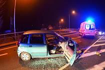 Tragická nehoda ve Staré Vsi nad Ondřejnicí. Řidič nepřežil náraz do svodidel.