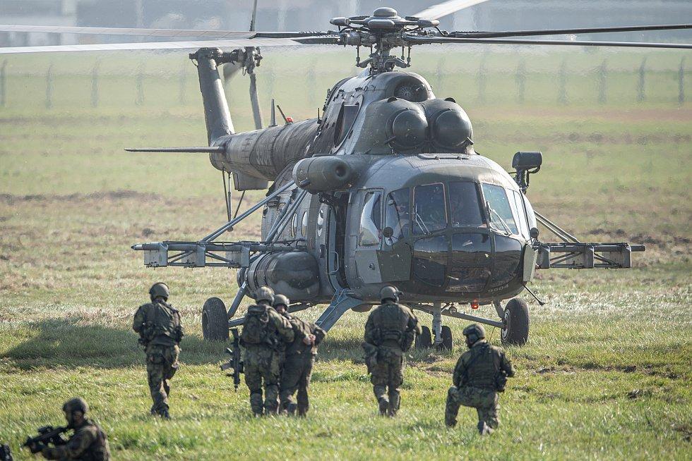 Dny NATO a Dny Vzdušných sil Armády ČR, 20. září 2020 na letišti Leoše Janáčka v Mošnově.