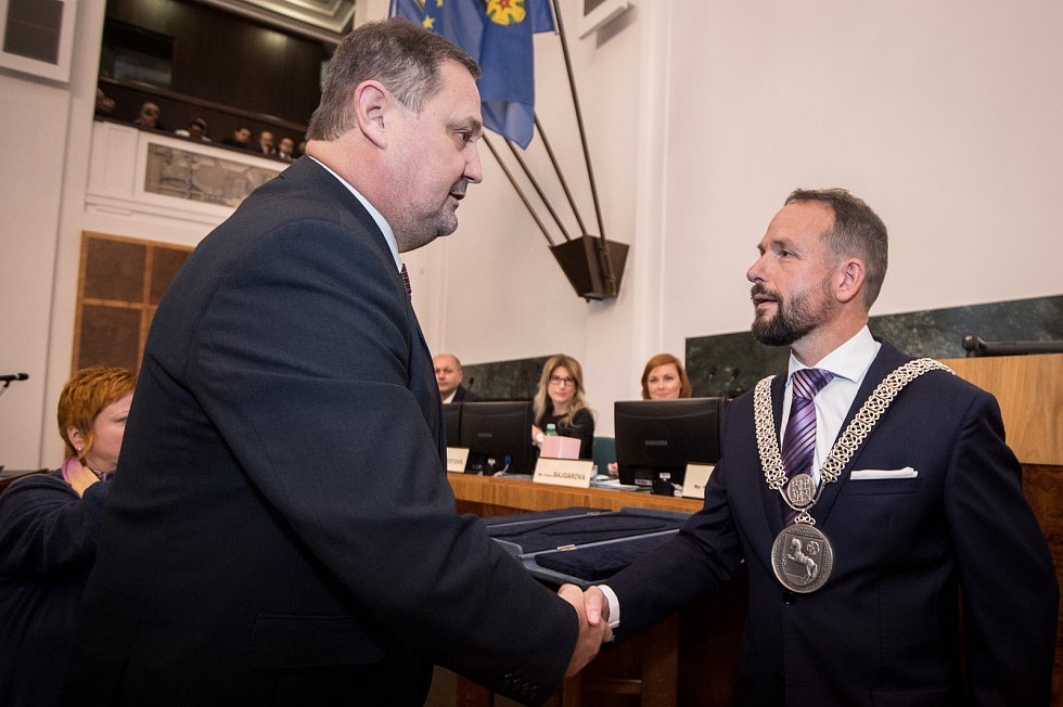 Zastupitelé Ostravy volili na ustavujícím zasedání 7. listopadu 2018 nové vedení města. Na snímku (vpravo) Tomáš Macura (ANO).