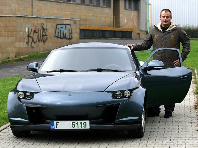 STUDENTCAR X, zkráceně SCX, je sportovní automobil na elektřinu, který postavili na Vysoké škole báňské Technické univerzitě Ostrava.