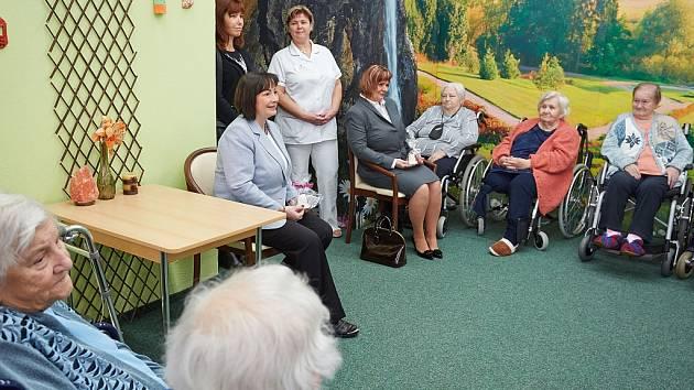 Setkání manželky prezidenta Ivany Zemanové s klienty Domova seniorů Slezská humanita v Orlové.