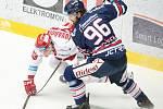 Čtvrtfinále play off hokejové extraligy - 1. zápas: HC Oceláři Třinec - HC Vítkovice Ridera, 20. března 2019 v Třinci. Na snímku (zleva) Michal Kovařčík a Jaroslav Mrázek.