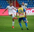 I. liga, 4. kolo, FC Baník - FK Teplice: 3 : 3, na snímku vlevo Lukáš Pazdera