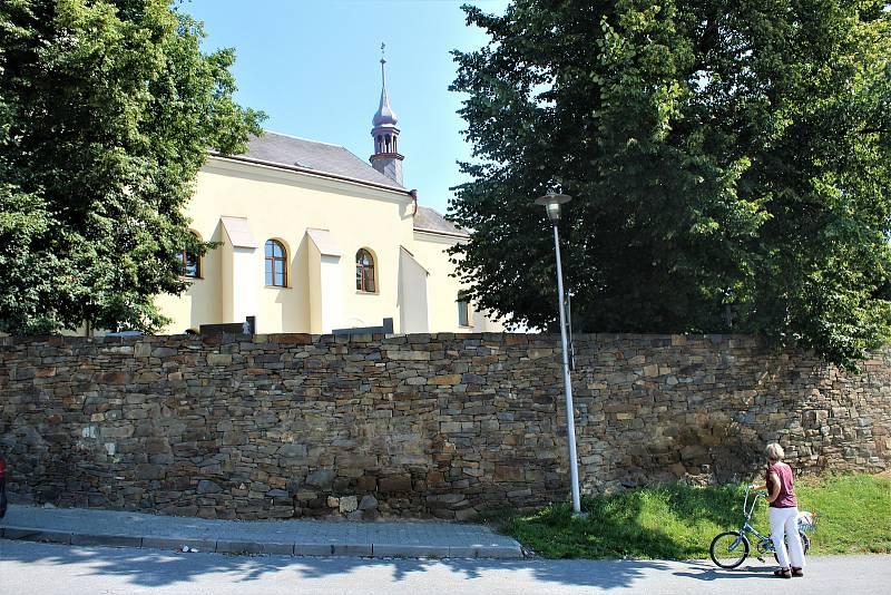 Kostel sv. Václava ve Velké Polomi.