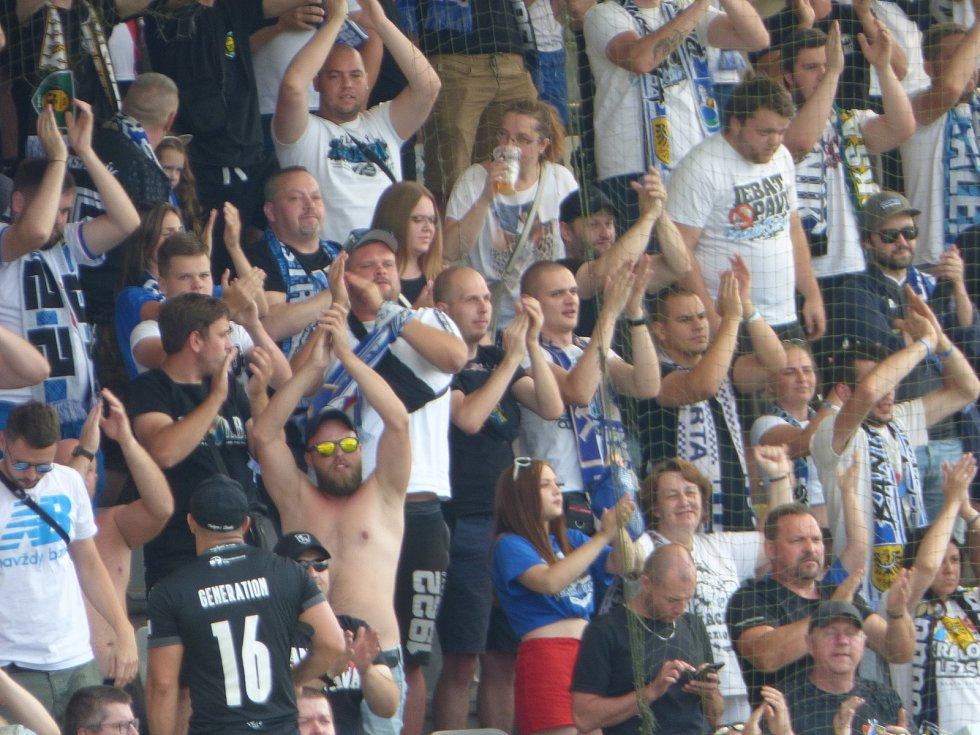 Fanoušci Baníku Ostrava v Jablonci (1. kolo ligy, 24. 7. 2021).