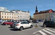 Místo parkoviště u Ostravského muzea vyroste rozsáhlý bytový dům s podloubím a podzemním parkovištěm. Bytové domy vzniknou i na dvou dalších místech - u kostela a u jatek. To by měly být nové adresy pro bydlení v centru Ostravy.