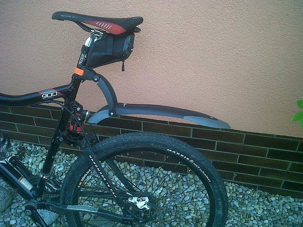 Neznámý zloděj ukradl toto kolo vhodnotě padesát tisíc korun.