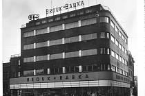 Obchodní dům Brouk & Babka na fotografii z 30. let minulého století.